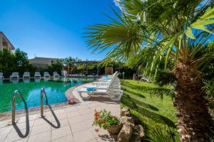 Hotel bordo piscina
